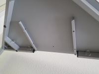 Dreieckstisch mit Sonderhöhe 80 cm und Vollkernplatte
